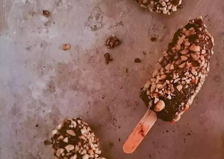 Frozen Choco Banana Pops (Pisang Beku Salut Coklat)
