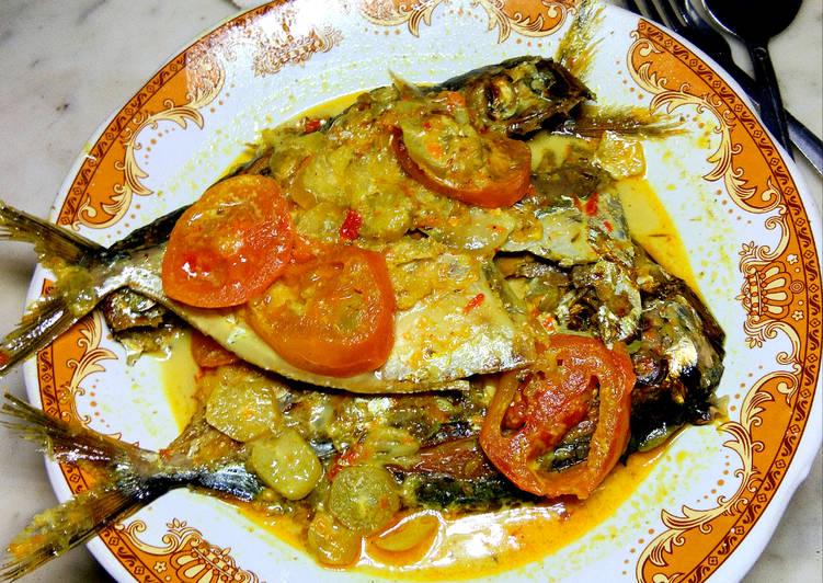 Ikan Asap kuah Pedas