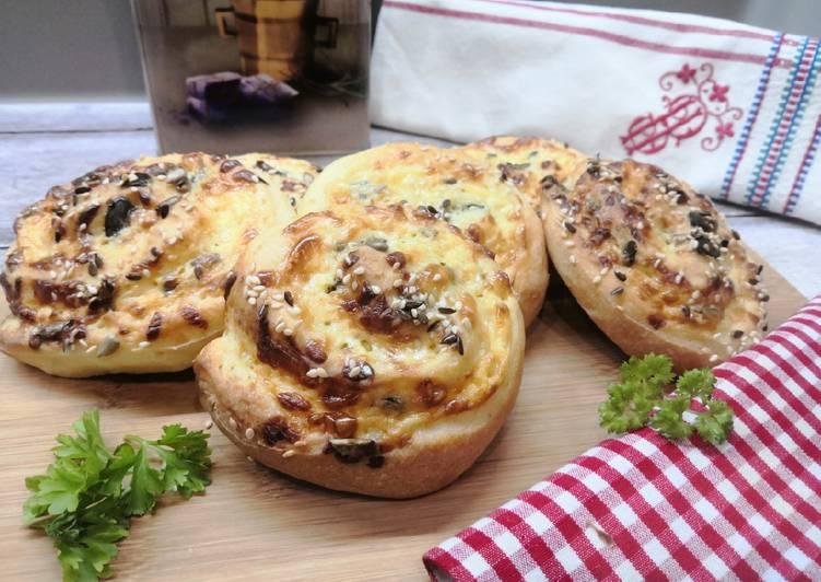 Gluténmentes sajtos, magos csiga recept foto