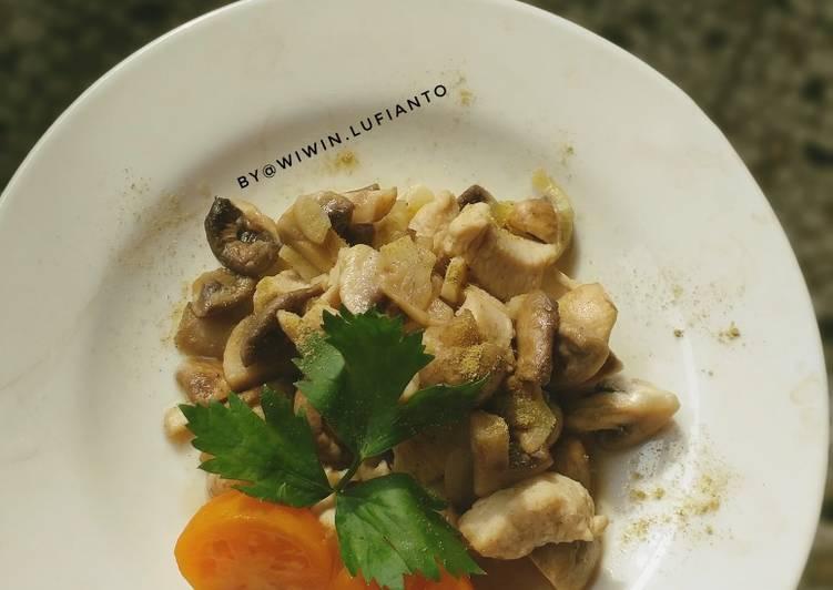 Tumis jamur kancing mix ayam