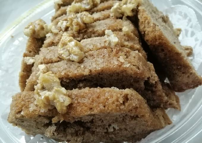 Cinnamon Cake molded with Wallnuts