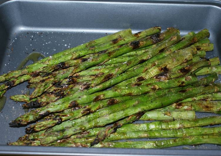 Quick and Easy Grilled Green Asparagus