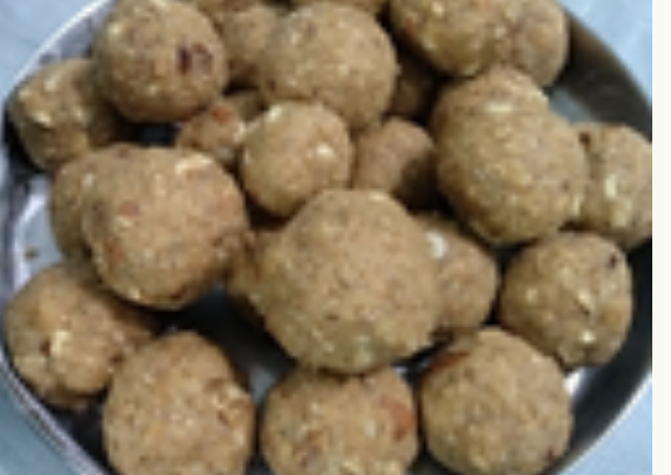 Turn to Food to Boost Your Mood Urad ke laddu (WINTER SPECIAL)