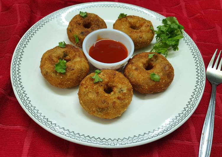 Easiest Way to Make Quick Poha and Rice flour Masala Doughnuts
