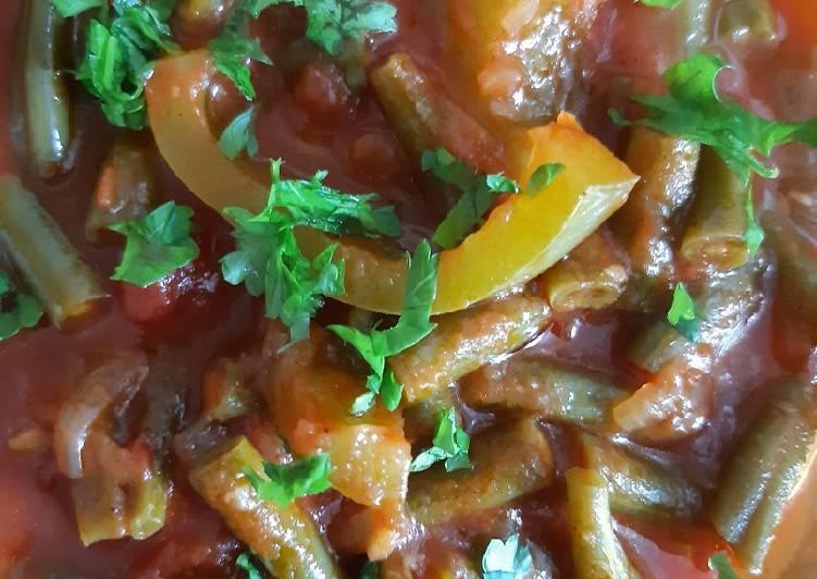 Recipe: Perfect Buschbohnen in Tomatensoße