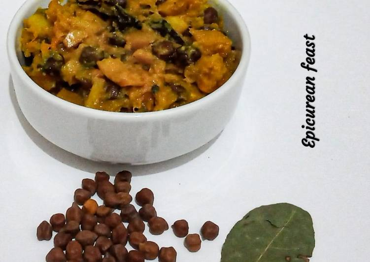 Kumror Chakka Vegan pumpkin curry with black chickpeas