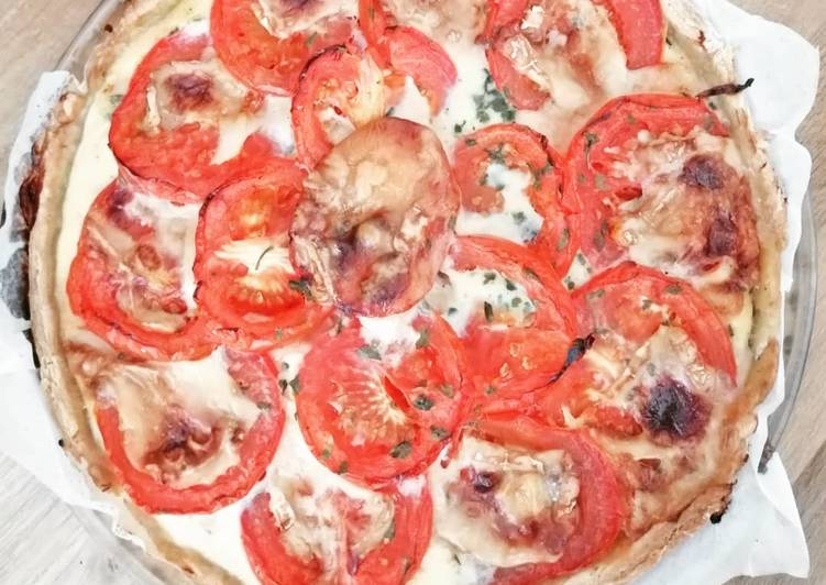 La Délicieuse Recette du Tarte au thon, tomates, moutarde et chèvre