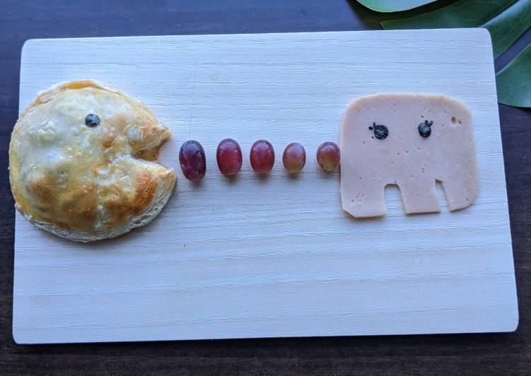 How to Make Delicious Pacman Minced Beef And Corn Pie (Restart your life anytime!)
