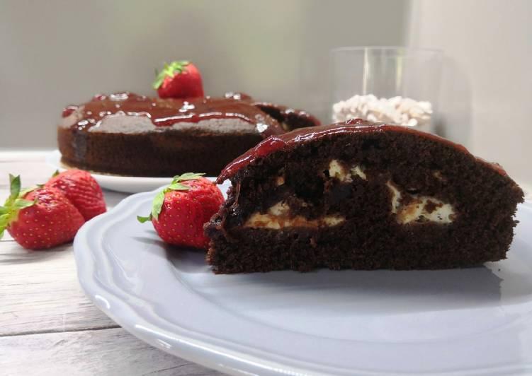 Gluténmentes, egyszerű kakaós kevert sütemény, mascarponés krémmel recept foto