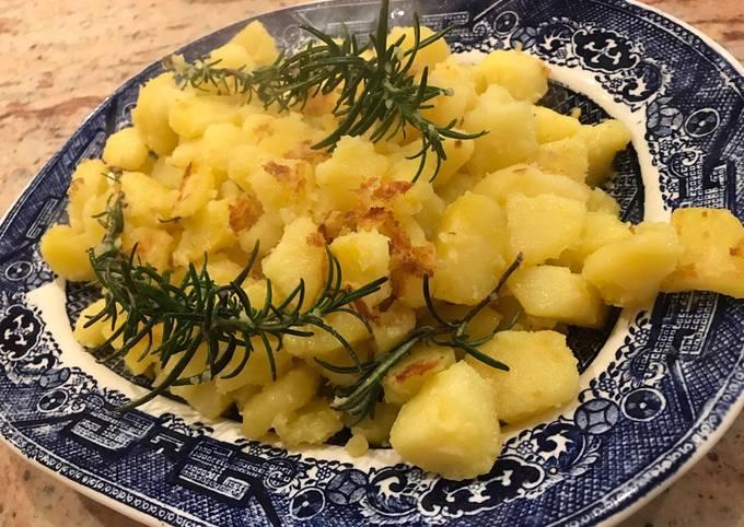 Super easy tasty pan roasted potatoes