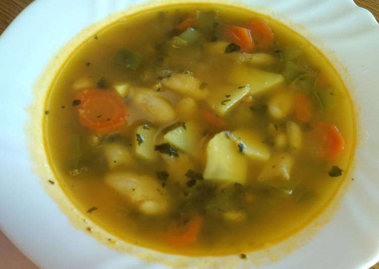 Sopa-potaje de alubias