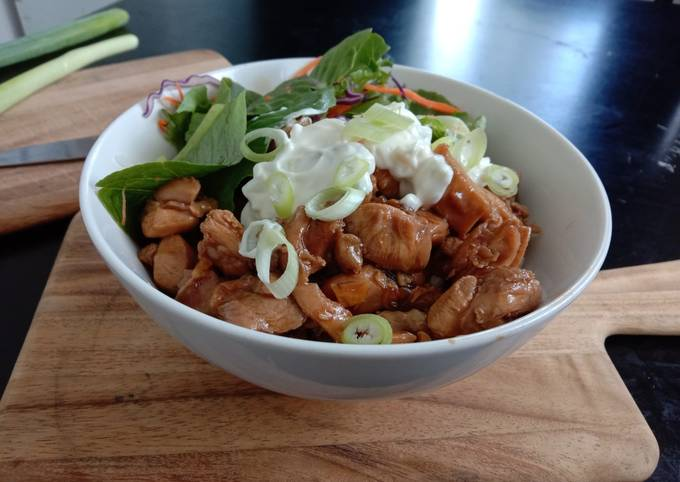 Donburi Teriyaki chicken on rice