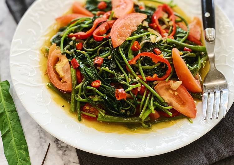 Step-by-Step Guide to Make Award-winning Tumis Kangkung Pedas (Spicy Water Spinach Stir Fry)