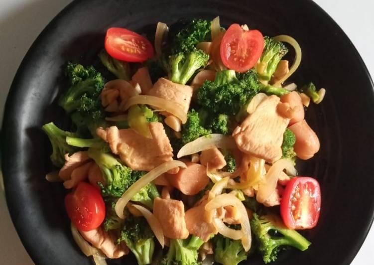 Brokoli Cah Ayam Saus Tiram