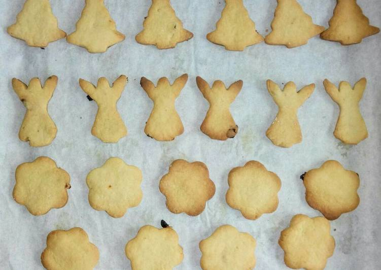 Simple Way to Make Award-winning Sultanas and lemon flavored cookies