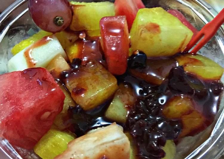 Rujak buah (bumbu bali)