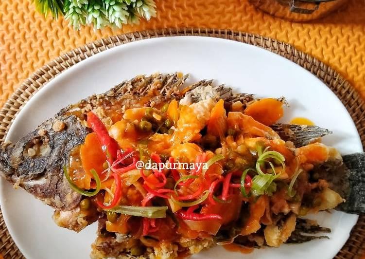 Ikan Nila goreng saus asam manis