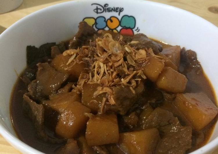 Semur daging kentang