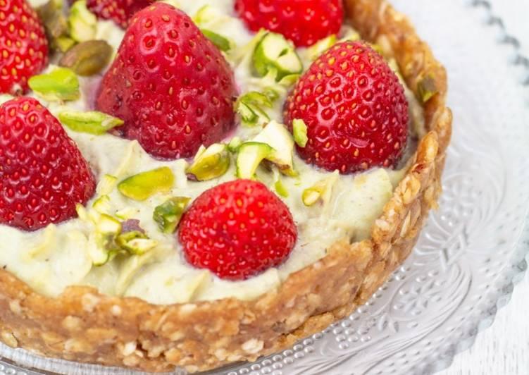 Recette De Tartelette crue à la fraise et pistache