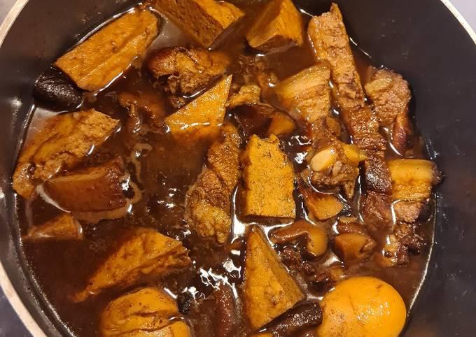 Babi Kecap (Indonesian Braised Pork)