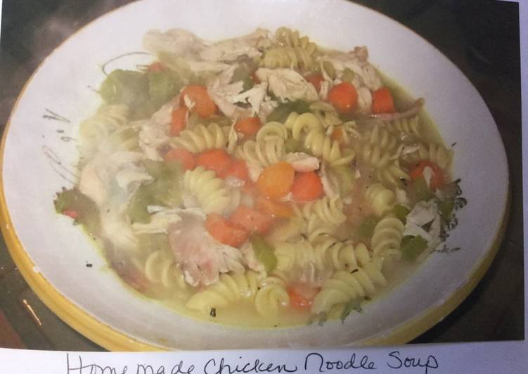 Easy Recipe: Delicious Mom's EASY home made chicken noodle soup