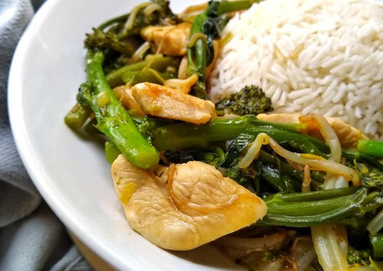 Chicken, broccoli & green beans in Oyster Sauce