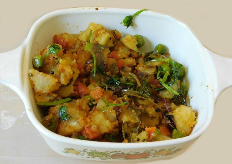 Recipe of Perfect Stir fried mixed vegetable curry