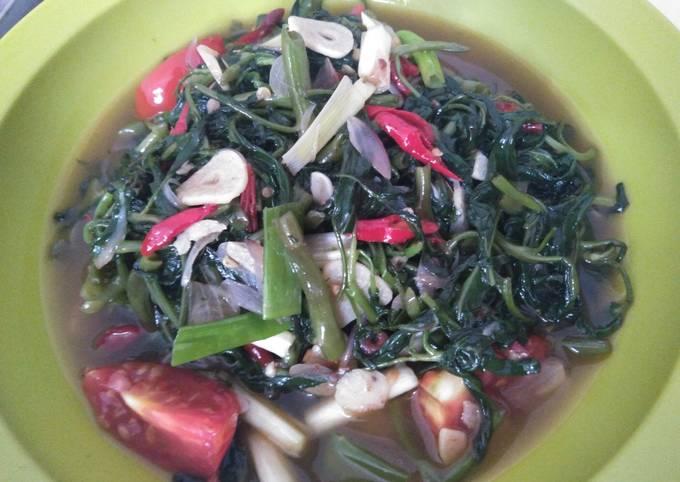 Stir-fried Kangkung (water spinach)