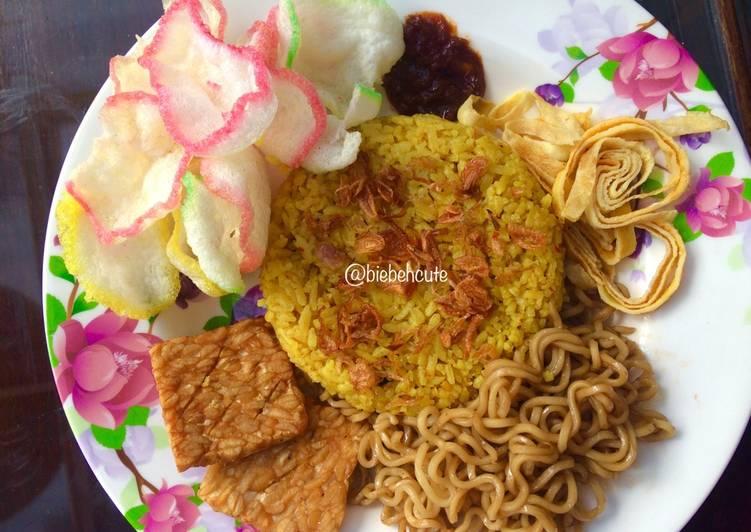 Nasi Kuning Uduk Magic Com Cirebonan #KisahKasihCookpad