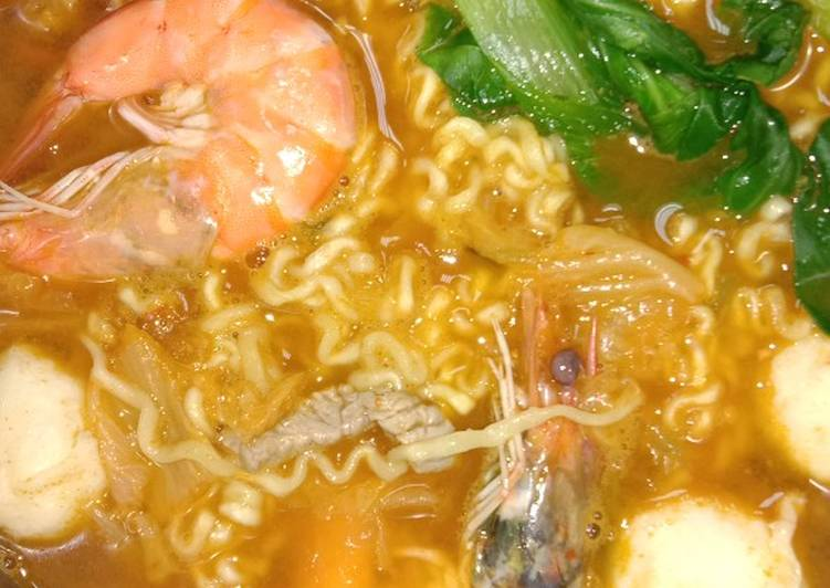 Kimchi ramyun seafood