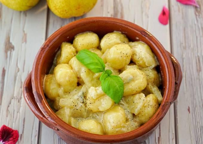 Gnocchi di patate gorgonzola e pere