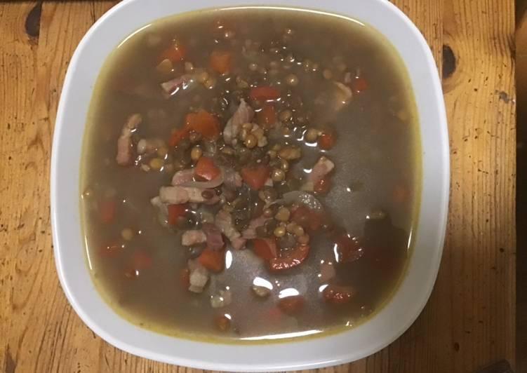 How to Prepare Award-winning Soupe de lentilles au poivron rouge et lardons