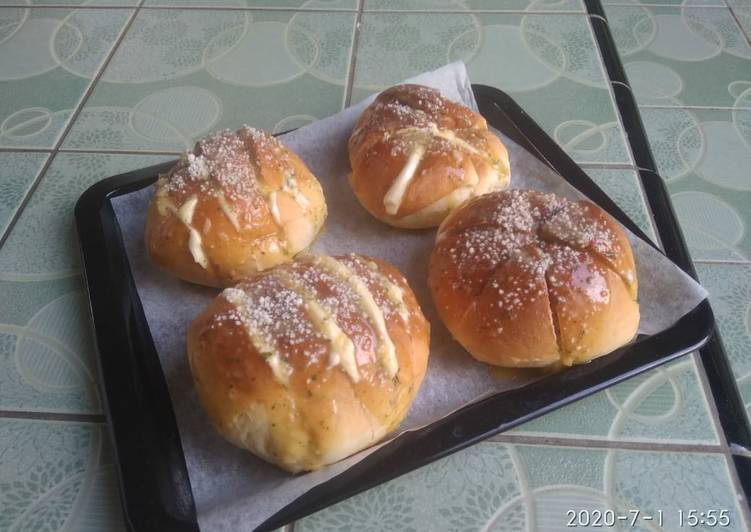 KOREAN GARLIC BREAD VERSI OH NINO (YOUTUBE NINO'S HOME)