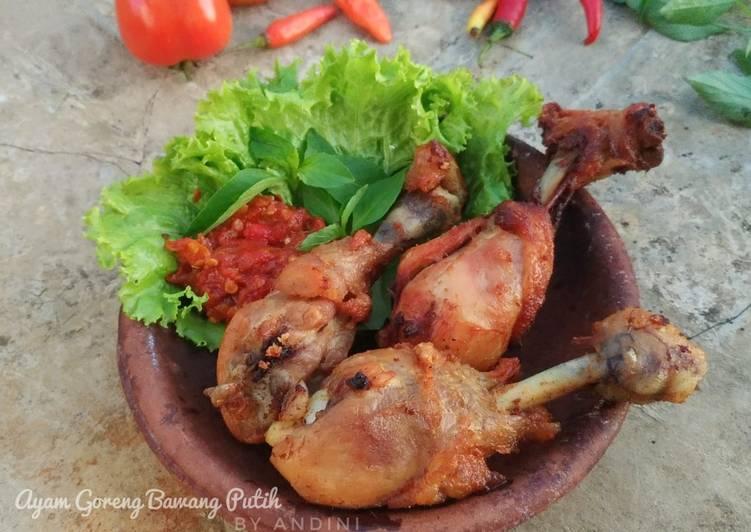 Bagaimana Menyiapkan Paha Ayam Goreng Bawang Putih yang Menggugah Selera