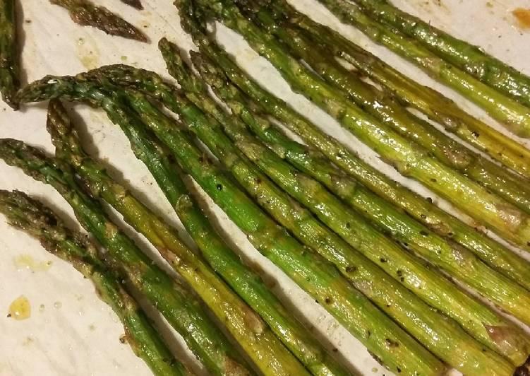 Lemon Pepper Roasted Asparagus