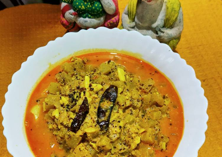 Pani Kakharu Rai Ash gourd curry