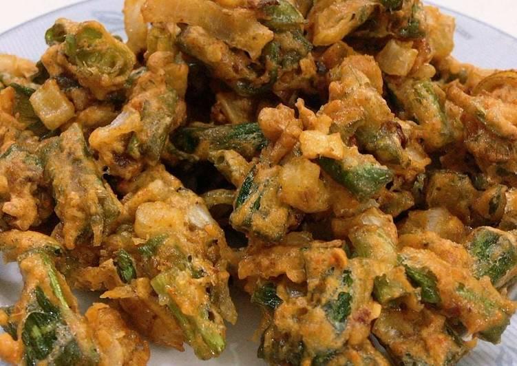 Recipe of Favorite Spring Onion Pakoray