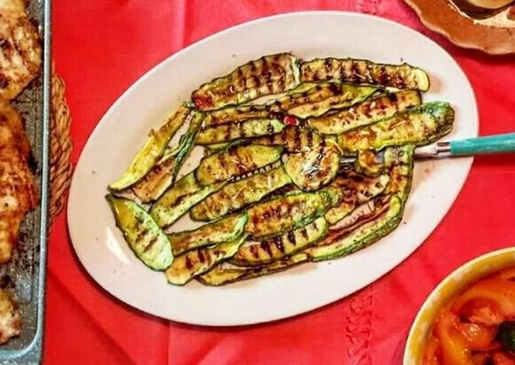 Antipasto di Zucchine grigliate alla menta (ricetta light)