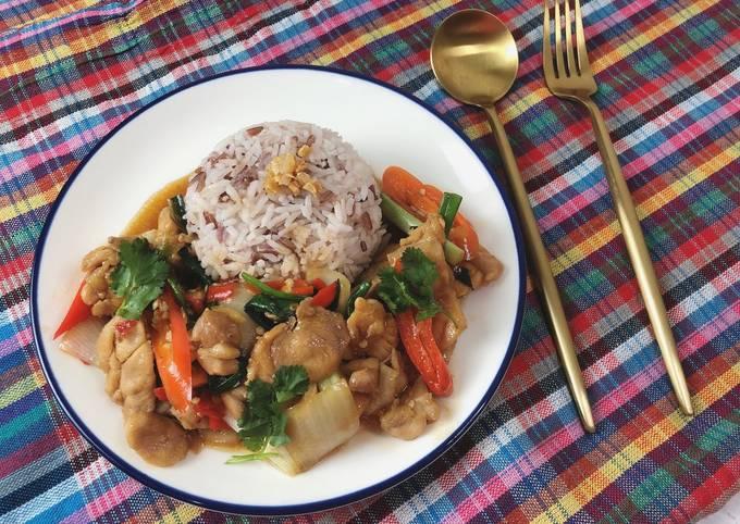 🧑🏽🍳🧑🏼🍳Chicken Oyster Sauce Recipe • Thai Style • Gai Phad Nam Mon Hoi |ThaiChef Food