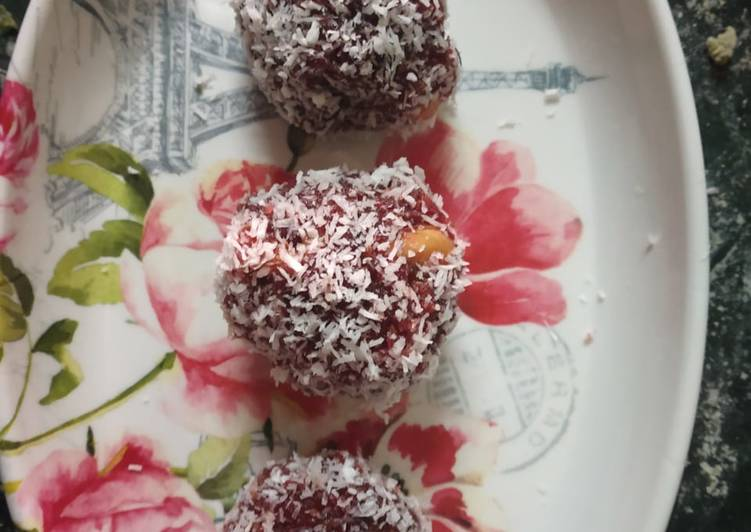 Simple Way to Make Favorite Beetroot and cashew ladoos