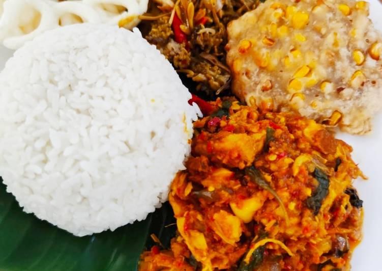 Nasi ayam woku belanga