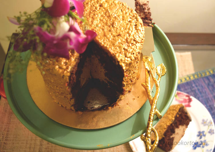 Chocolate cake with caramel coffee mousse filling