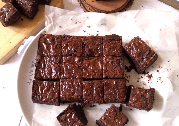 Fudge Brownies Shiny Crust