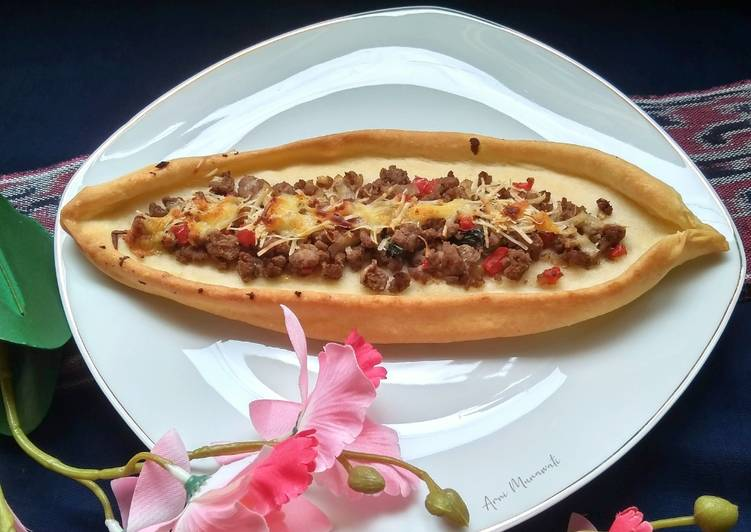 Turkish Pizza (Pide)