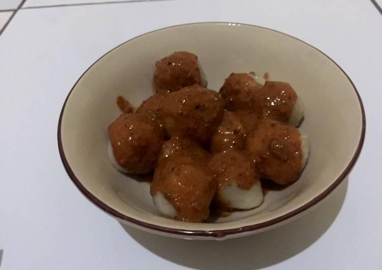 Cilok bumbu kacang isi sosis & keju
