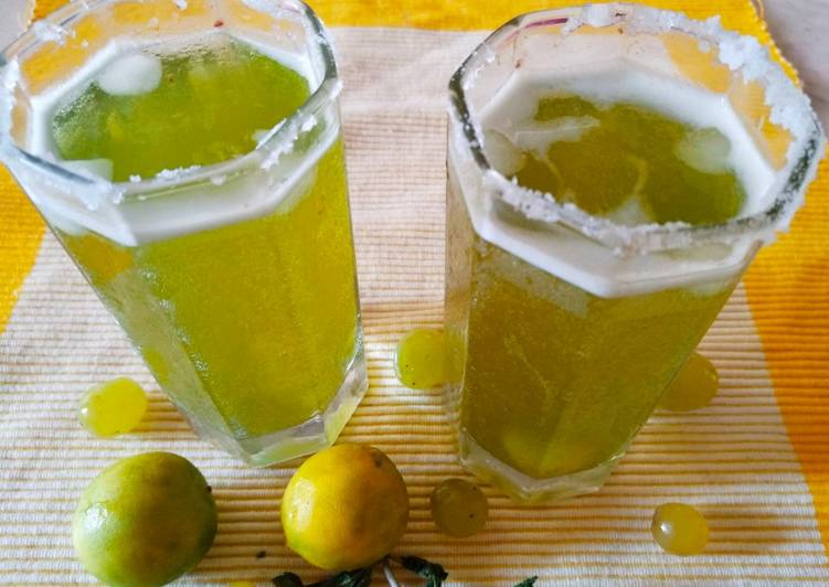 Steps to Prepare Homemade Grapes minti lemmonade