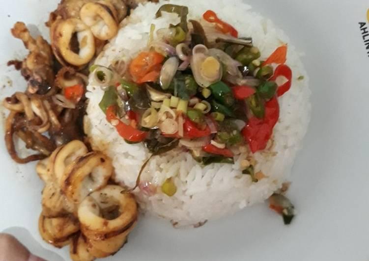 Nasi cumi bakar sambal matah