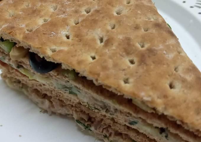 Brown bread tuna fish sandwiches