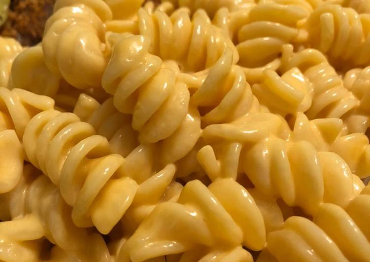 Simple Way to Make Simple Creamy Stove Top Mac and Cheese