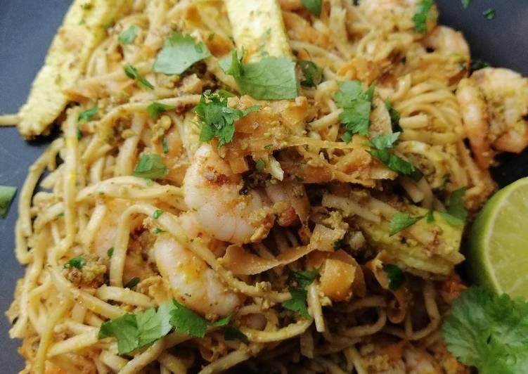 Thai pesto prawn noodles